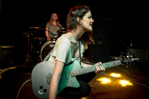 Hinds | Live on 35mm - by Valerio Berdini